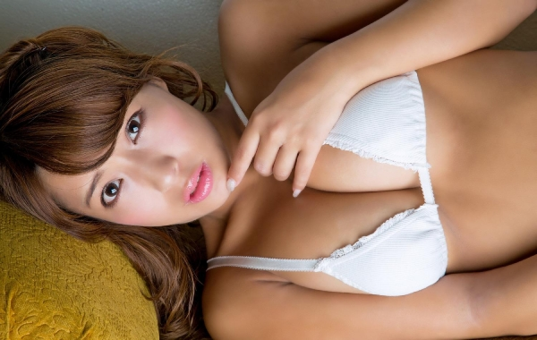 橋本梨菜(はしもとりな)巨乳で黒肌のグラビアアイドル水着画像100枚の077枚目