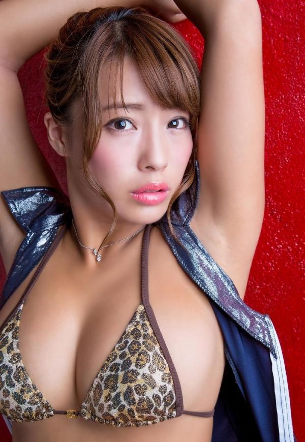 橋本梨菜(はしもとりな)巨乳で黒肌のグラビアアイドル水着画像100枚の087枚目