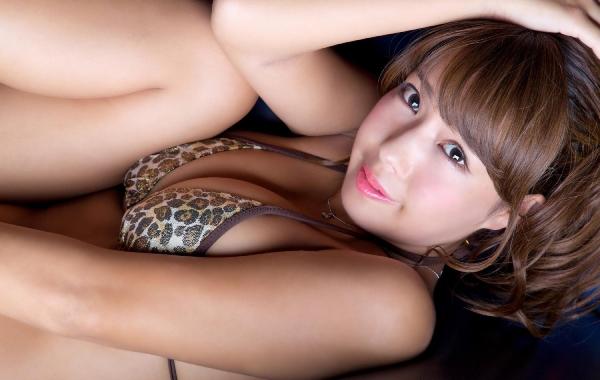 橋本梨菜(はしもとりな)巨乳で黒肌のグラビアアイドル水着画像100枚の090枚目