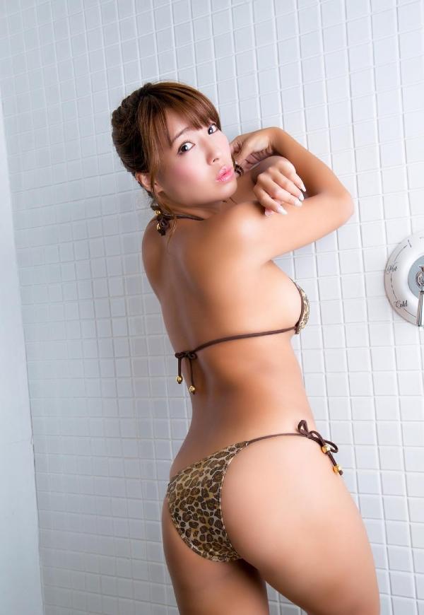 橋本梨菜(はしもとりな)巨乳で黒肌のグラビアアイドル水着画像100枚の098枚目