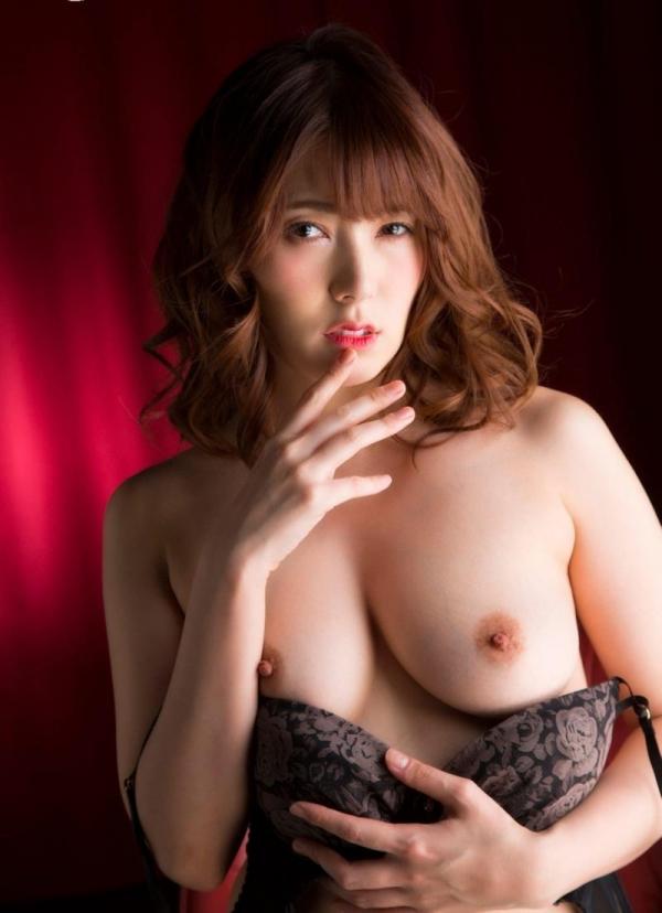 美熟女の味が出てきた波多野結衣さんの全裸フルヌード画像150枚の085枚目