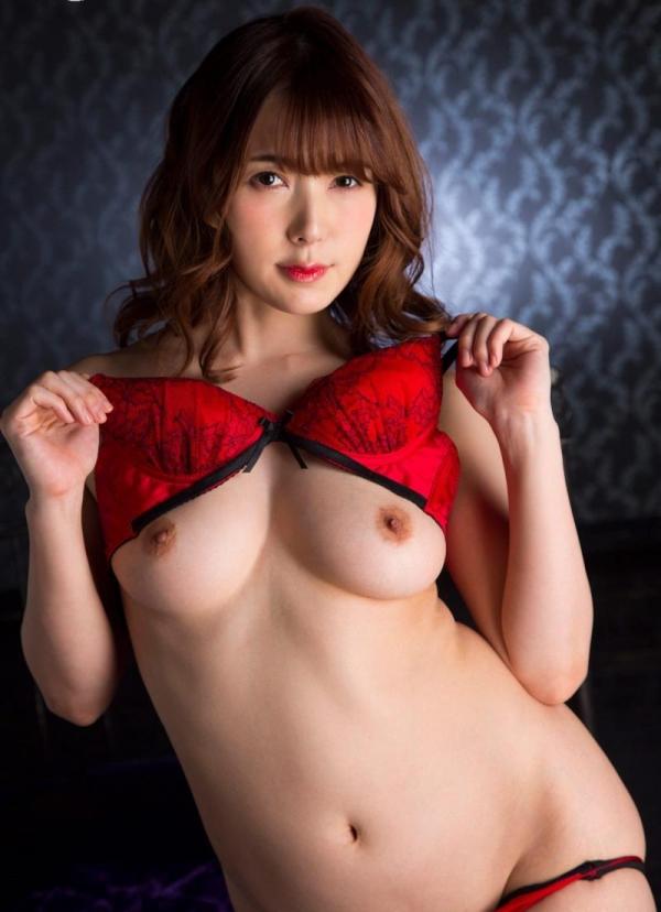 美熟女の味が出てきた波多野結衣さんの全裸フルヌード画像150枚の129枚目