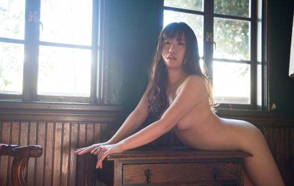 初美りん Eカップ巨乳美少女ヌード画像210枚のa085番