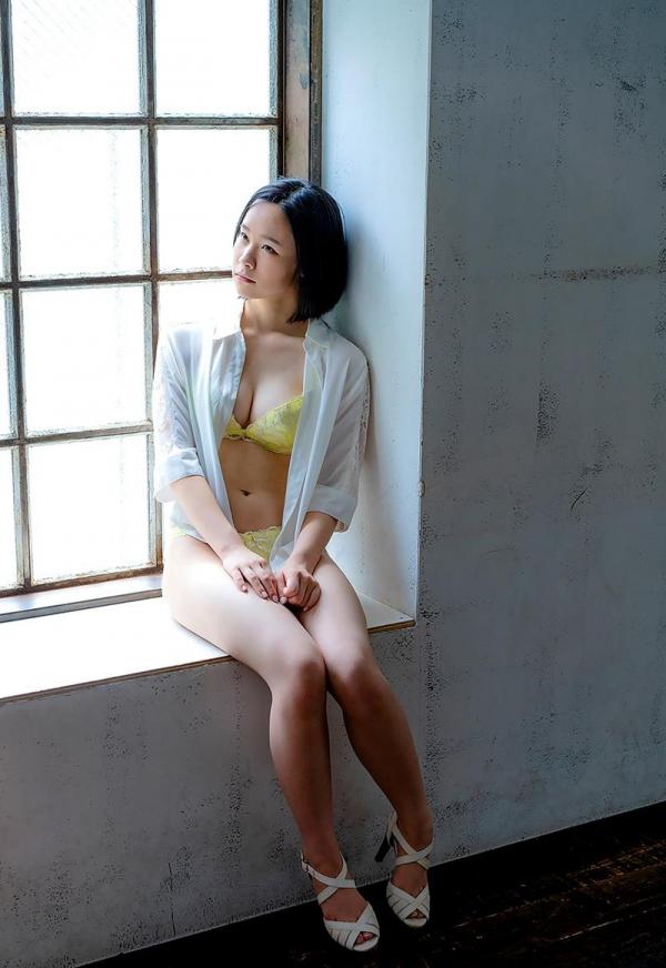 初乃ふみか 極細スリム美巨乳な美少女ヌード画像110枚の005枚目