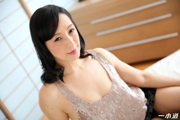 五十路の無修正女優 服部圭子 ノーブラ奥さんエロ画像48枚のb18枚目