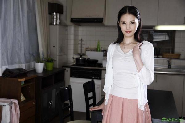 スレンダー美熟女 白咲奈々子(羽月ミリア)エロ画像30枚のa002枚目