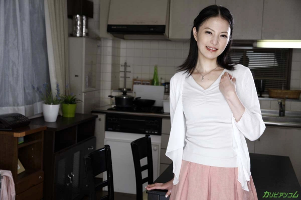 スレンダー美熟女 白咲奈々子(羽月ミリア)エロ画像30枚のa003枚目