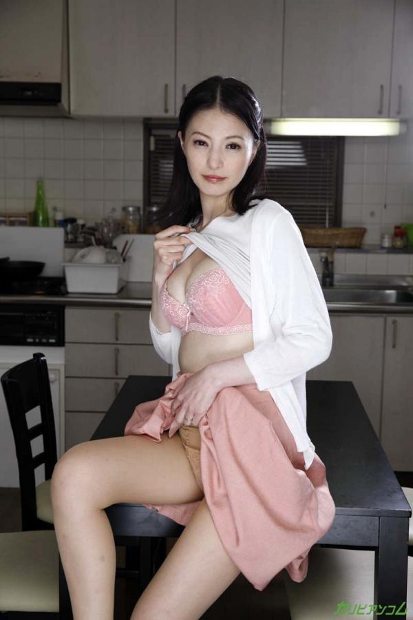 スレンダー美熟女 白咲奈々子(羽月ミリア)エロ画像30枚のa004枚目