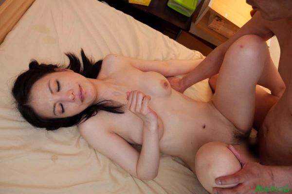 スレンダー美熟女 白咲奈々子(羽月ミリア)エロ画像30枚のa024枚目