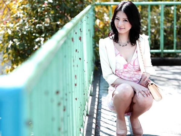 スレンダー美熟女 白咲奈々子(羽月ミリア)エロ画像30枚のb001枚目
