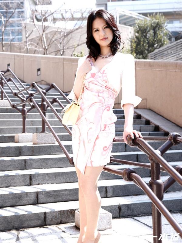 スレンダー美熟女 白咲奈々子(羽月ミリア)エロ画像30枚のb003枚目