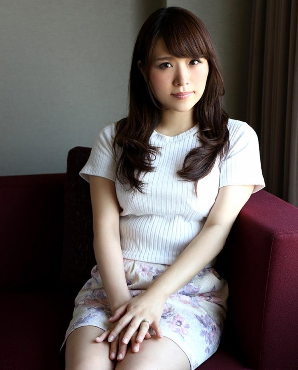 日比乃さとみ(涼木みなみ)美巨乳スレンダー美女エロ画像76枚のb04枚目