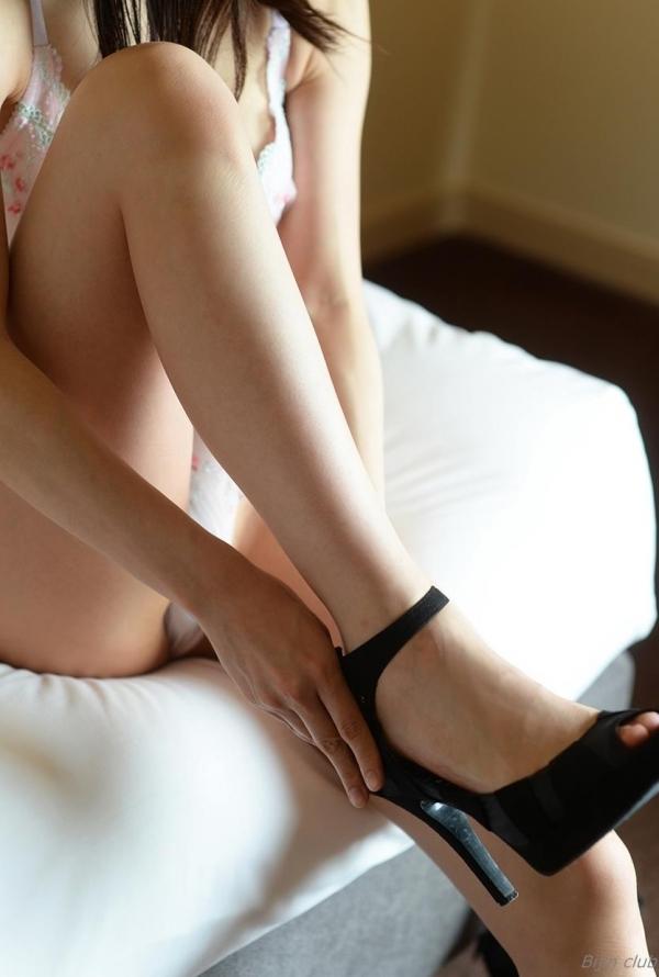 ハイヒールを履いた艶っぽい美女のヌード画像100枚の037枚目
