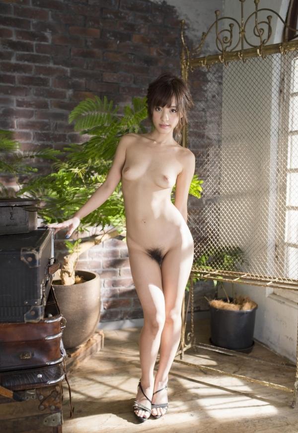 ハイヒールを履いた艶っぽい美女のヌード画像100枚の064枚目