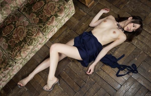 ハイヒールを履いた艶っぽい美女のヌード画像100枚の090枚目