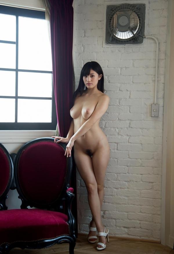 ハイヒールを履いた艶っぽい美女のヌード画像100枚の097枚目