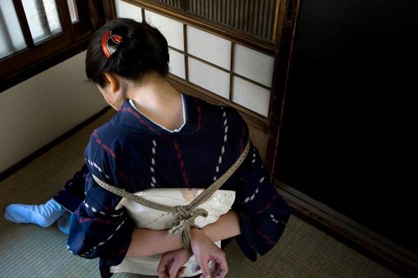 全裸熟女を緊縛 樋口冴子(桐島千沙)SM画像85枚の006枚目