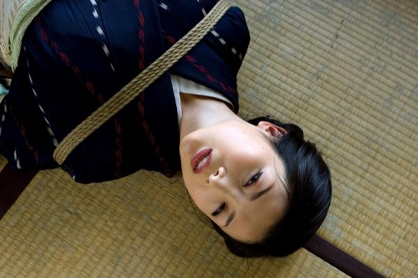 全裸熟女を緊縛 樋口冴子(桐島千沙)SM画像85枚の010枚目