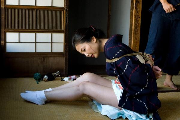 全裸熟女を緊縛 樋口冴子(桐島千沙)SM画像85枚の013枚目