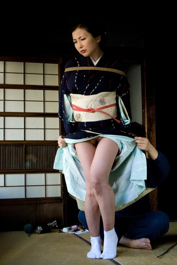 全裸熟女を緊縛 樋口冴子(桐島千沙)SM画像85枚の014枚目