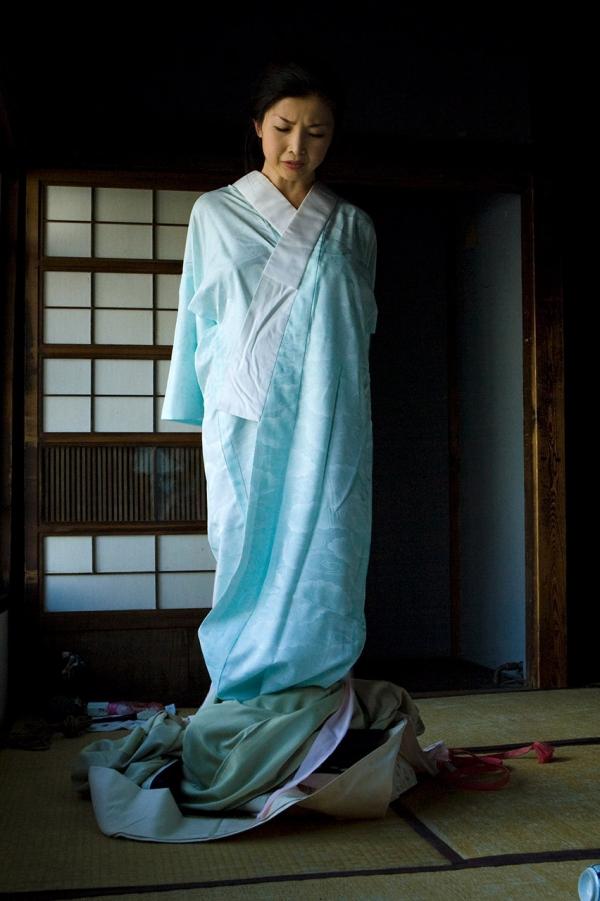 全裸熟女を緊縛 樋口冴子(桐島千沙)SM画像85枚の020枚目