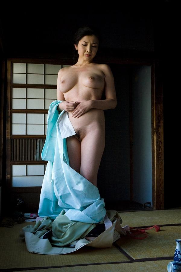 全裸熟女を緊縛 樋口冴子(桐島千沙)SM画像85枚の021枚目