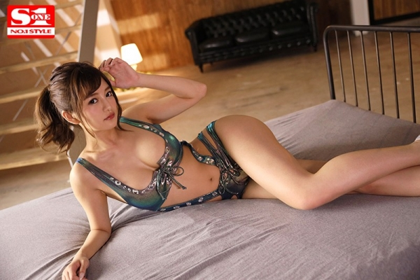 元芸能人 ひなたまりん 8頭身スレンダー美少女エロ画像21枚のb010枚目