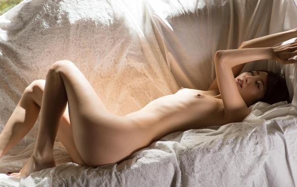 貧乳美女の全裸画像110枚の105枚目