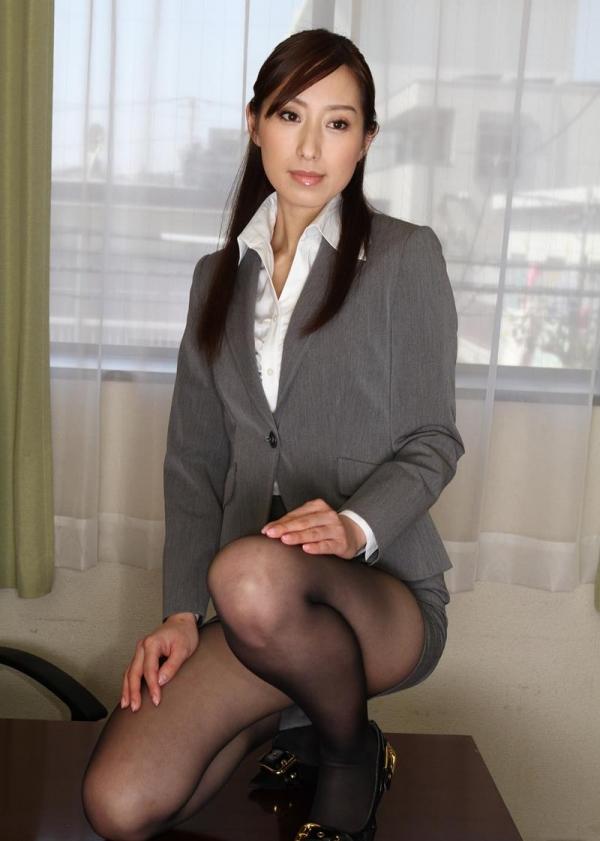 秘書のエロ画像 美人でセクシーで従順な女達72枚のa002枚目