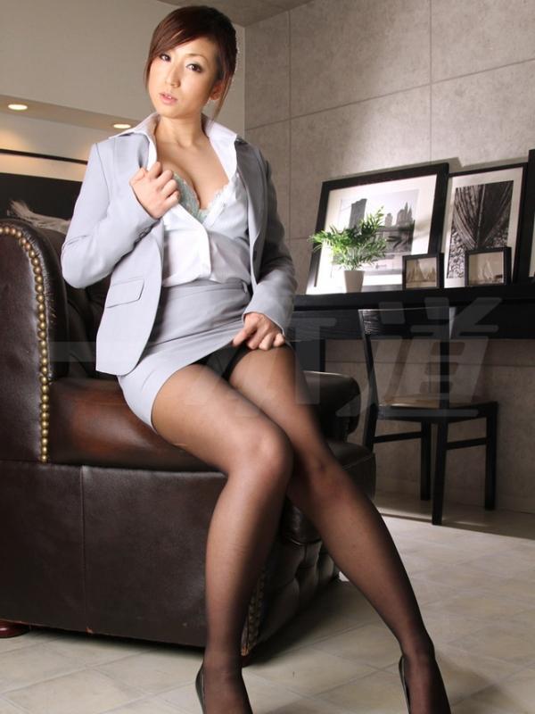 秘書のエロ画像 美人でセクシーで従順な女達72枚のa010枚目