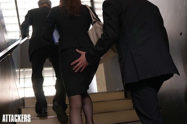 秘書のエロ画像 美人でセクシーで従順な女達72枚のc013枚目