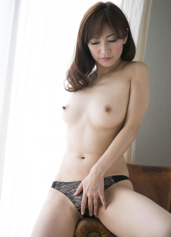 瞳リョウ 四十路美熟女の妖艶着物ヌード120枚の113枚目
