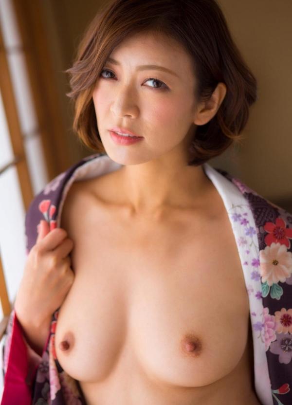 瞳リョウ 四十路美熟女の妖艶着物ヌード120枚の19枚目