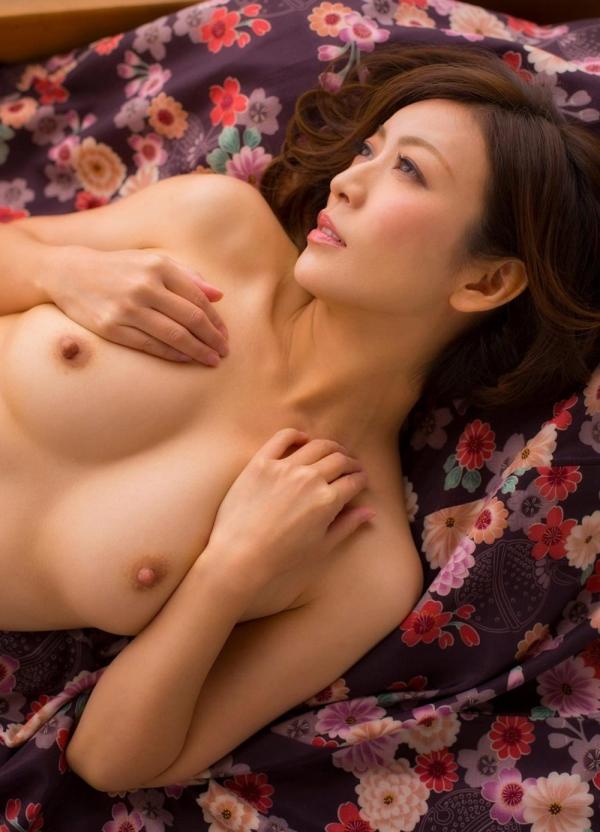 瞳リョウ 四十路美熟女の妖艶着物ヌード120枚の34枚目