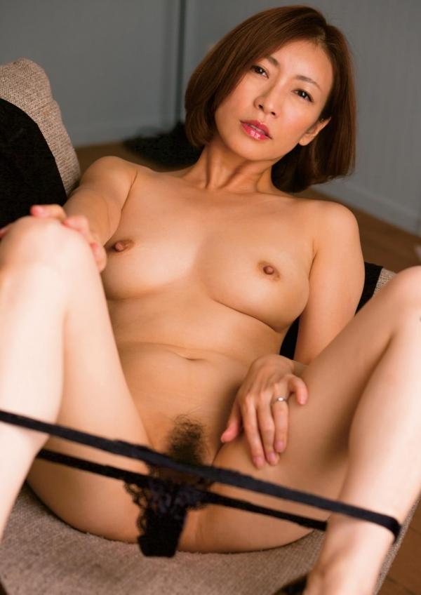 瞳リョウ 美熟女のセックス画像とヌード130枚のa4枚目