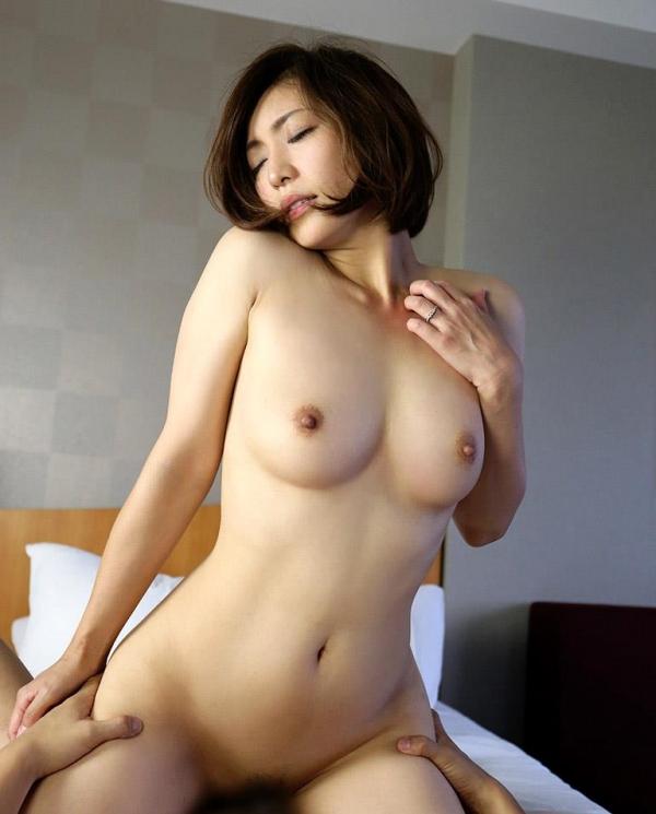 瞳リョウ 美熟女のセックス画像とヌード130枚のb17枚目