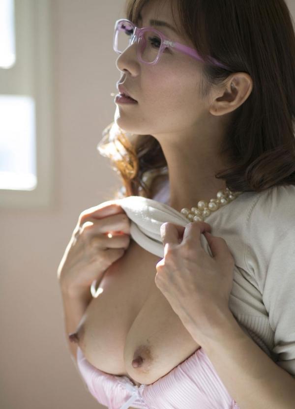 瞳リョウ 美熟女のセックス画像とヌード130枚のc022枚目