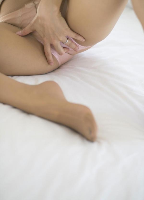 瞳リョウ 美熟女のセックス画像とヌード130枚のc032枚目