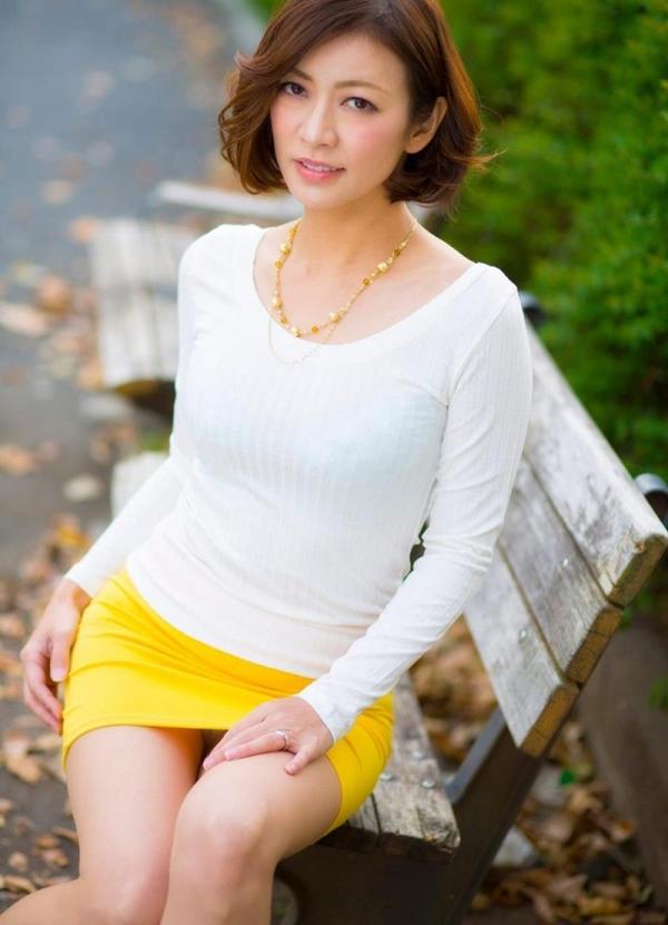 美乳熟女の淫靡な誘い HITOMI  (瞳リョウ)エロ画像33枚のa01枚目