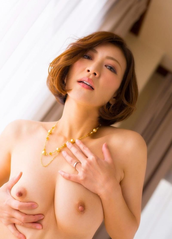 美乳熟女の淫靡な誘い HITOMI  (瞳リョウ)エロ画像33枚のa10枚目