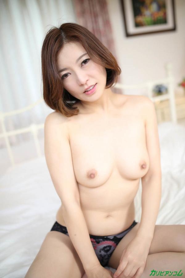 瞳リョウ 無修正で人気の妖艶美熟女のエロ画像40枚のb005枚目