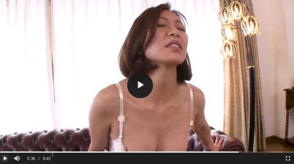 瞳リョウ 無修正で人気の妖艶美熟女のエロ画像40枚のc008枚目