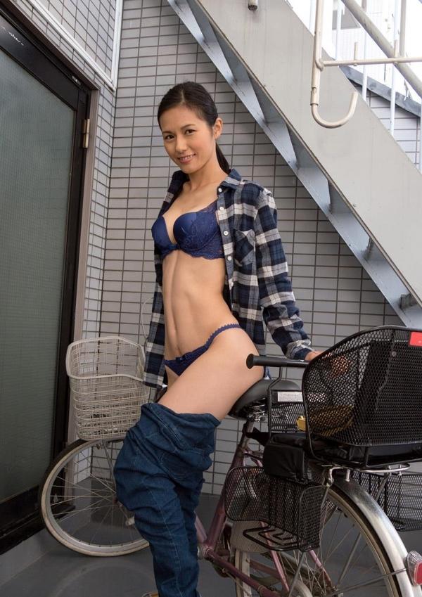 30代主婦の不倫セックス!熟女エロ画像110枚の005枚目