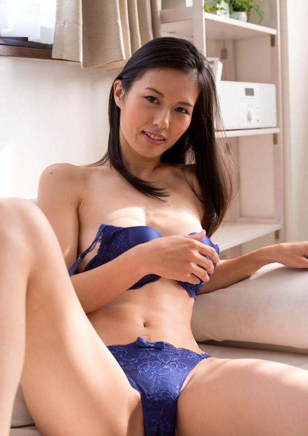 30代主婦の不倫セックス!熟女エロ画像110枚の018枚目