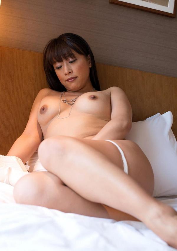 熟女エロ画像 豊満な40代奥様のセックス110枚の018枚目