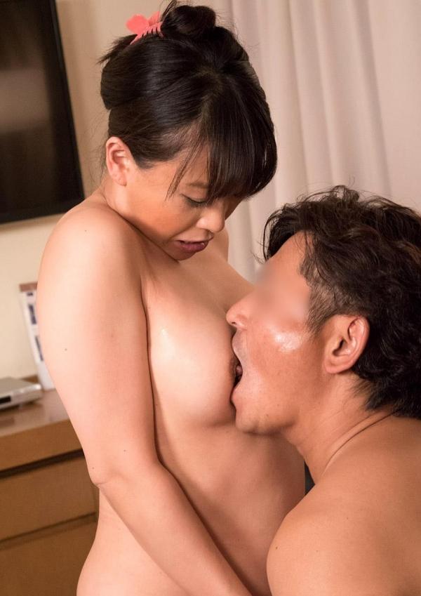 熟女エロ画像 豊満な40代奥様のセックス110枚の067枚目