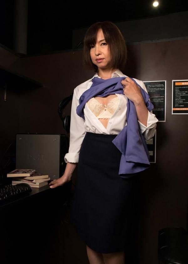 熟女エロ画像 四十路妻神崎久美のセックス110枚の016枚目