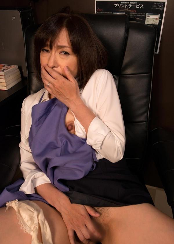 熟女エロ画像 四十路妻神崎久美のセックス110枚の049枚目