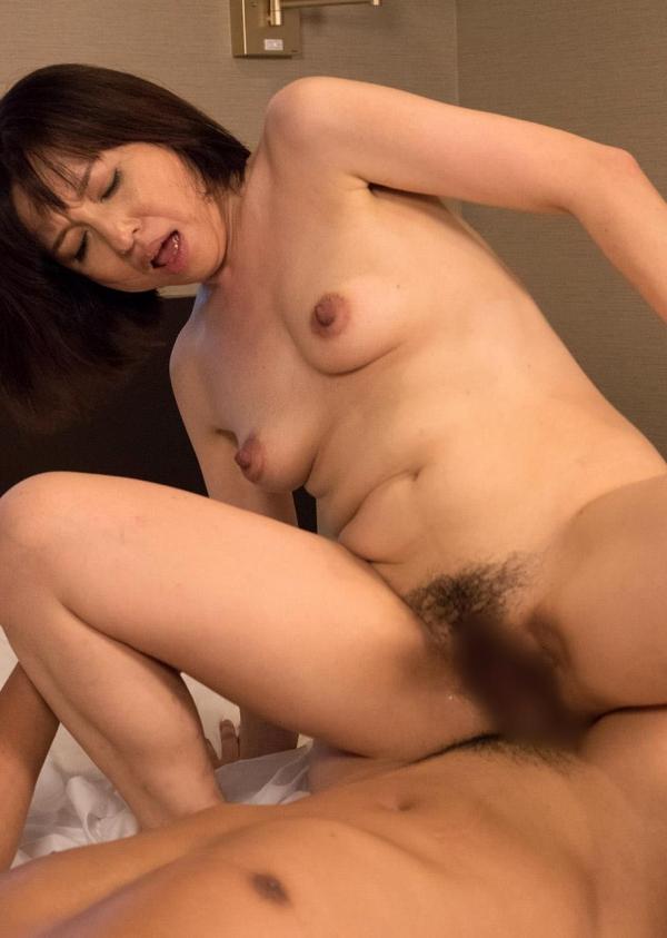 熟女エロ画像 四十路妻神崎久美のセックス110枚の095枚目