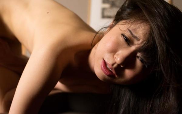 淫乱な人妻が夫以外のチンコで連続イキしてるハメ撮り画像110枚の057枚目